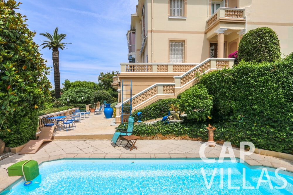 property for sale cap dnice swimming pool