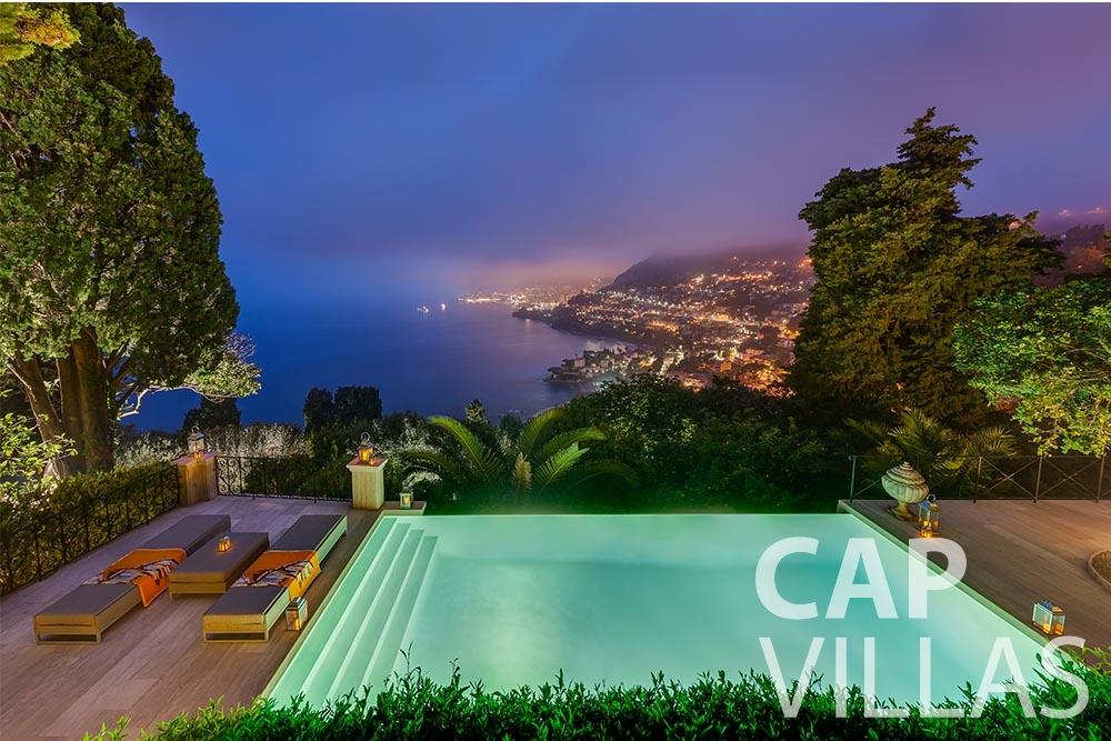 holiday rental Villa Anna anna cap martin roquebrune swimming pool night