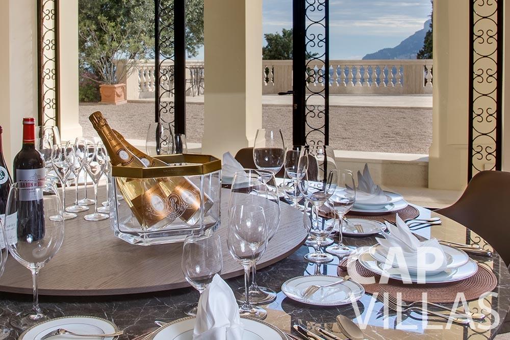 rent Villa Anna anna cap martin roquebrune dining area