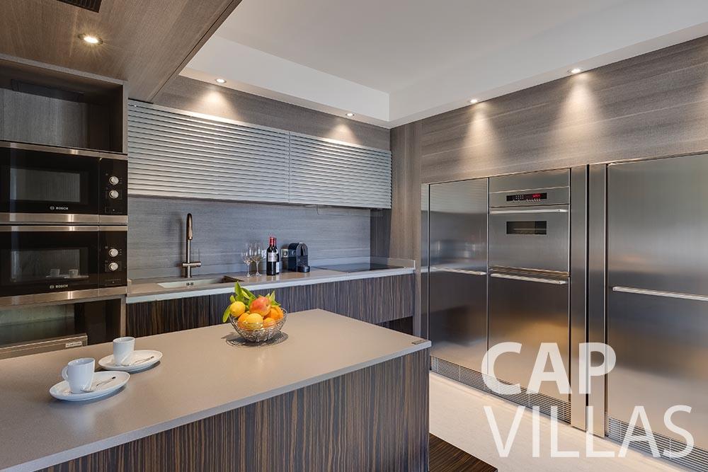 rent Villa Anna anna cap martin roquebrune kitchen