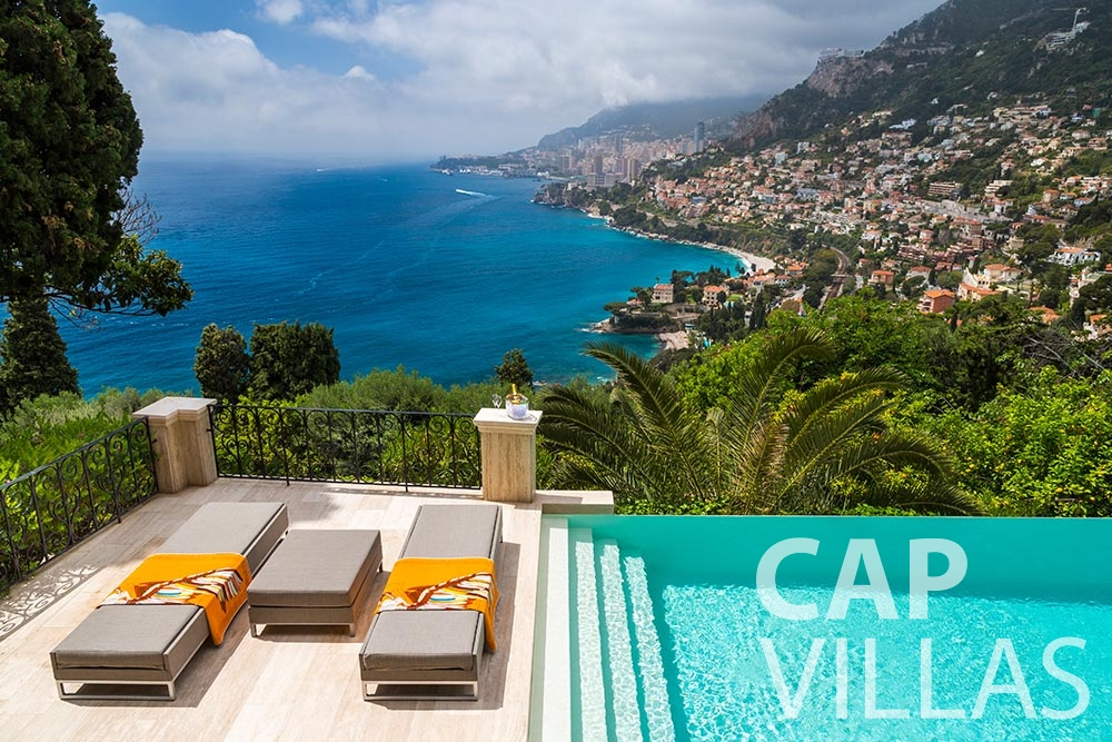 rent Villa Anna anna cap martin roquebrune pool sea view