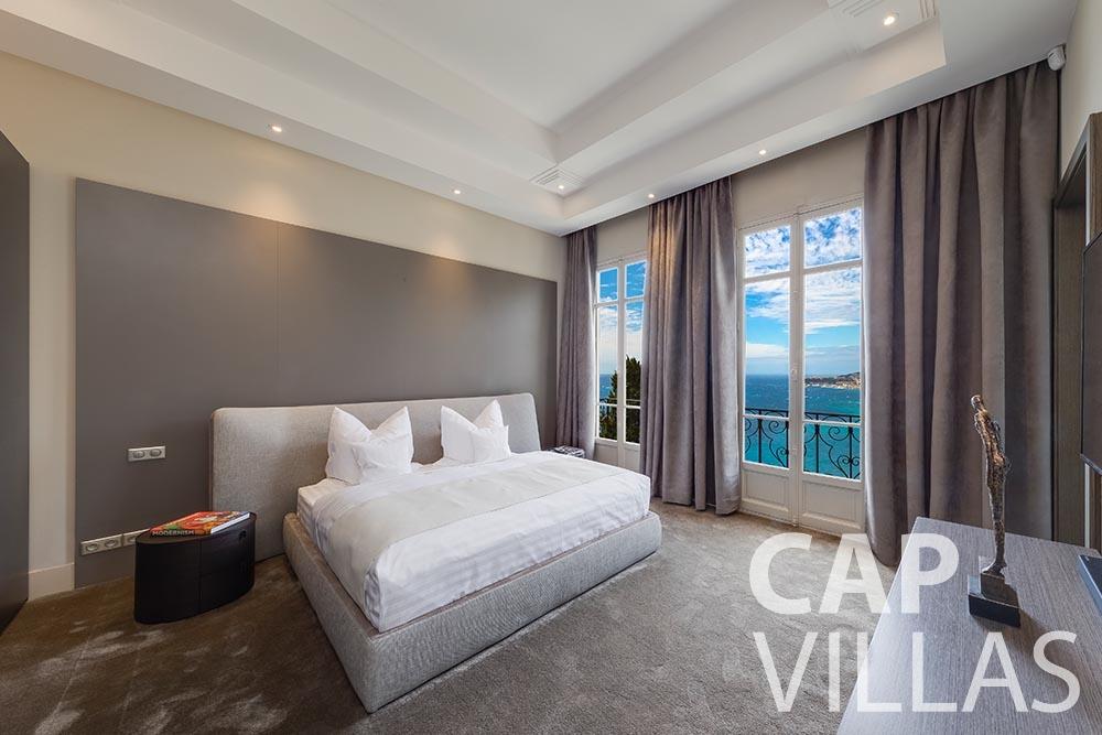 rent Villa Anna cap martin roquebrune anna bedroom