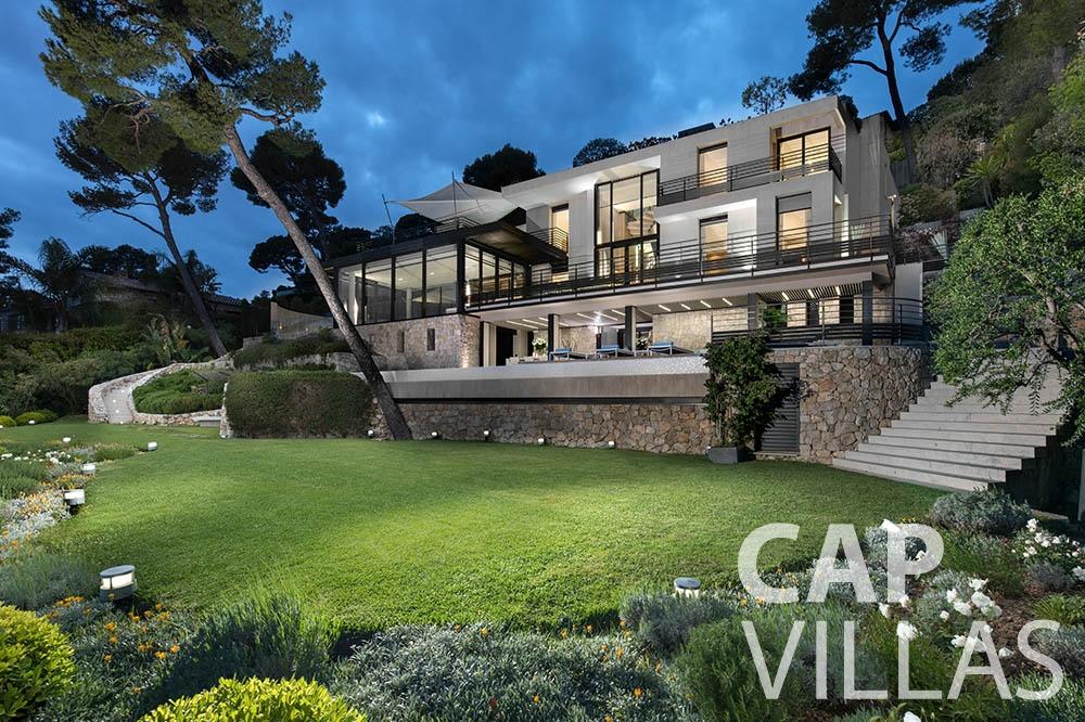rent Villa Bayview villefranche sur mer Villa Bayview bayview property front