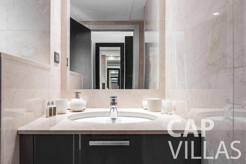 rent Villa Bella bella saint laurent d eze batoom