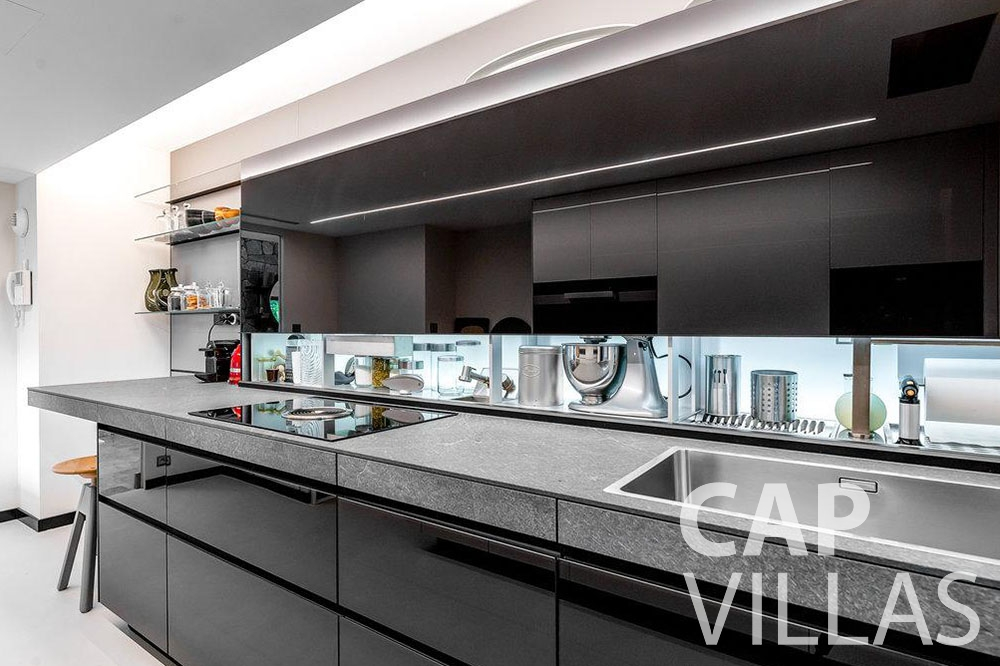 rent Villa Bella bella saint laurent d eze kitchen