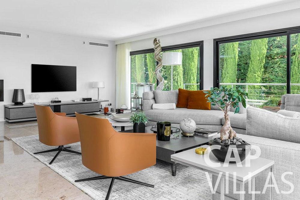 rent Villa Bella bella saint laurent d eze living area
