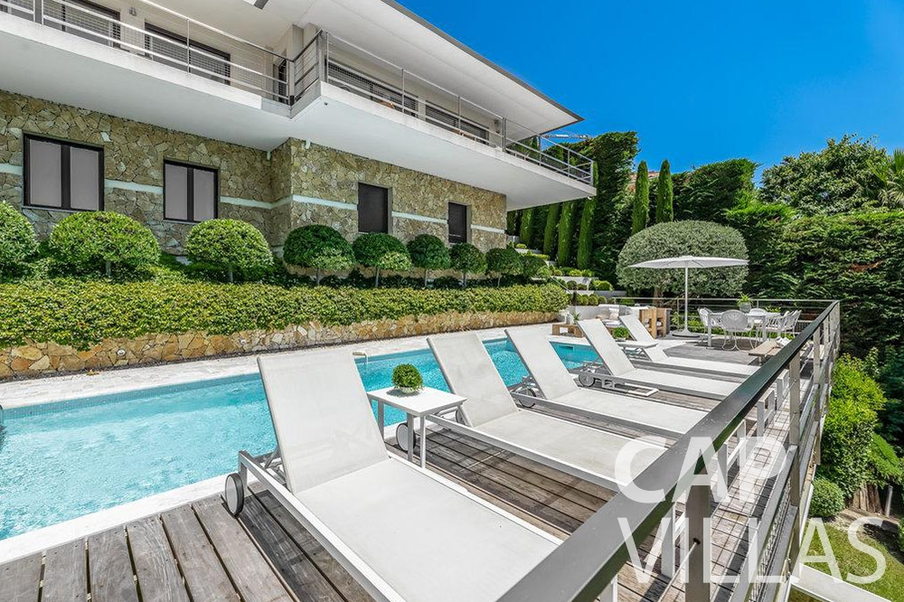 rent Villa Bella bella saint laurent d Eze pool
