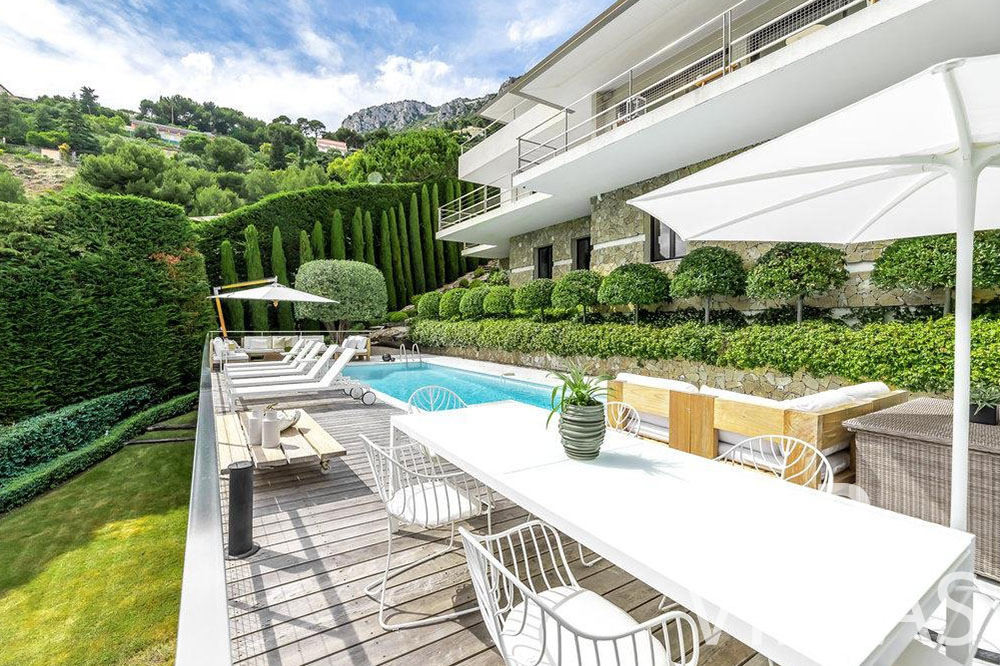 rent Villa Bella bella saint laurent d Eze terrace swimming pool