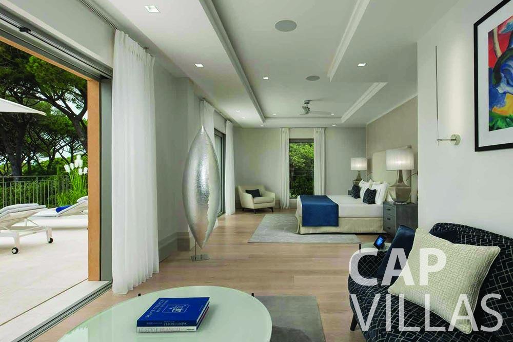let Villa Bellevue bellevue villefranche sur mer bedroom terrace view
