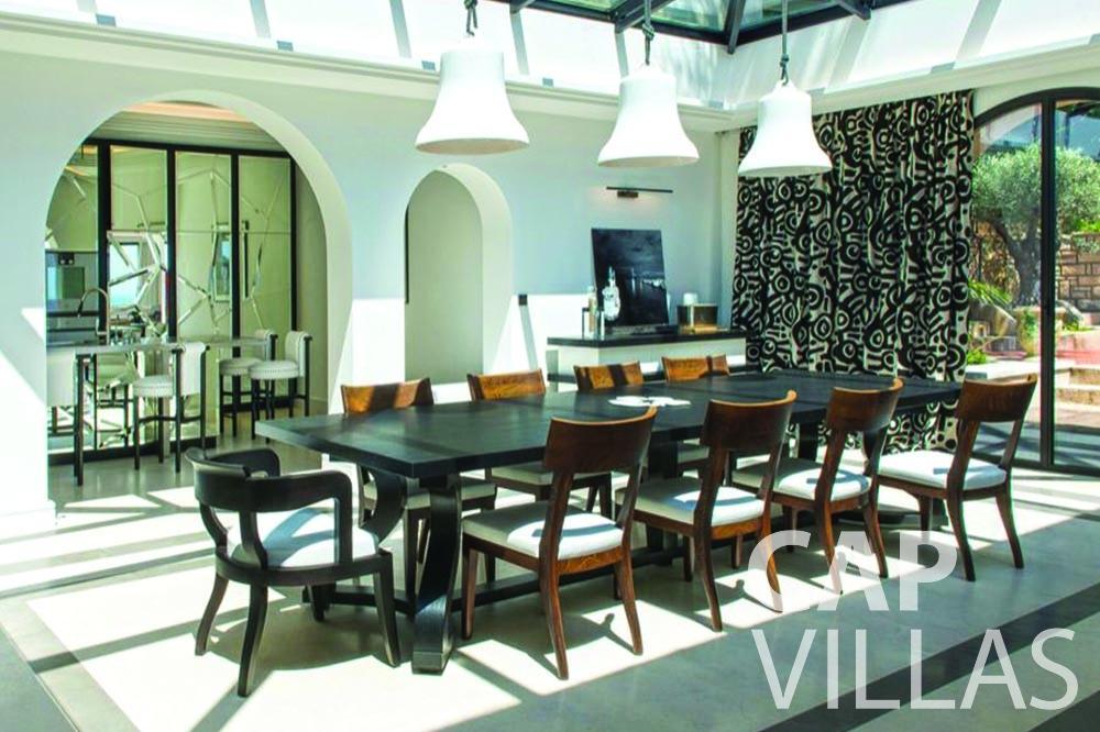 rent Villa Bellevue bellevue villefranche sur mer dining area