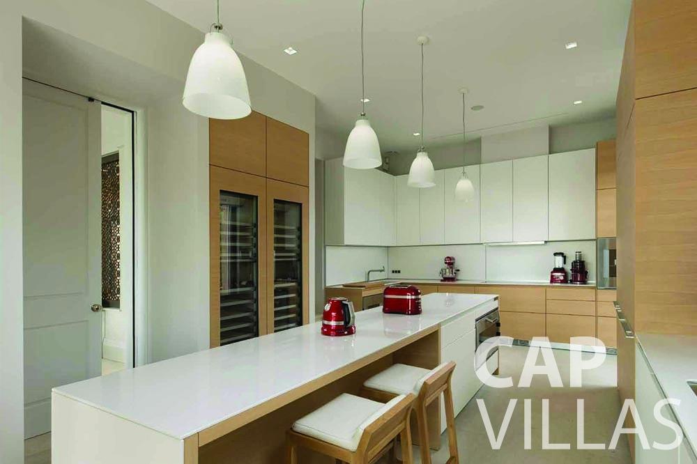 rent Villa Bellevue bellevue villefranche sur mer kitchen