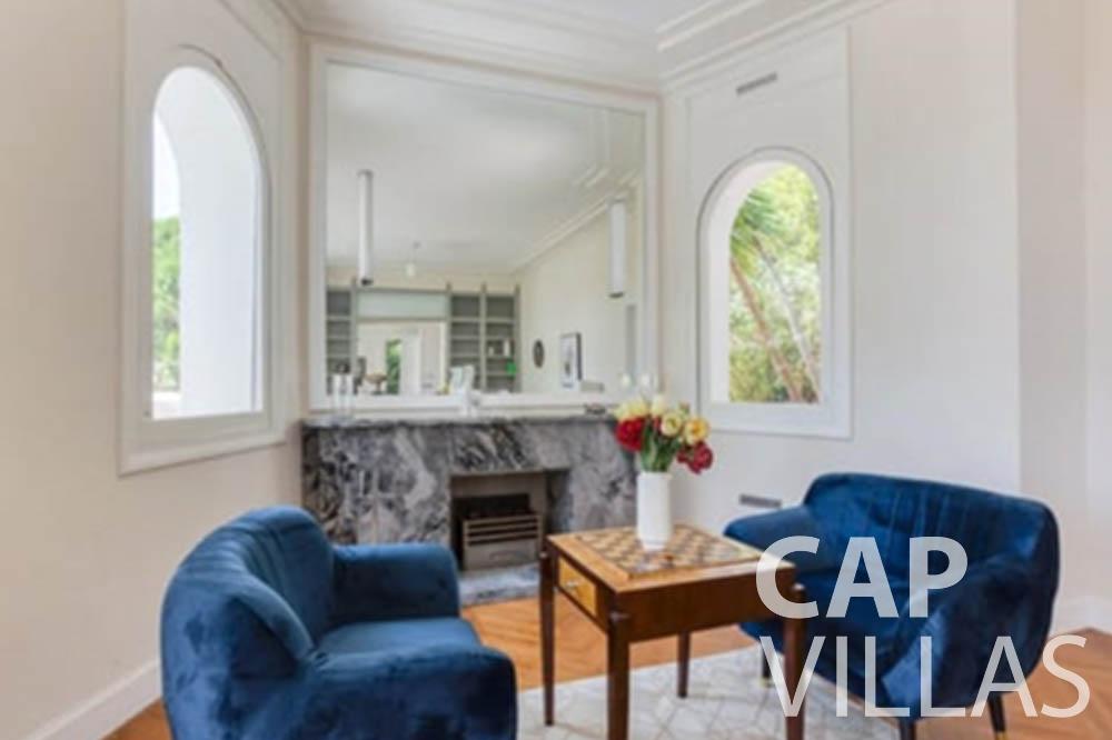 Villa Bianca for rent cap antibes bianca chess table