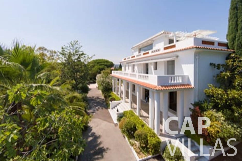 Villa Bianca for rent cap antibes bianca front property