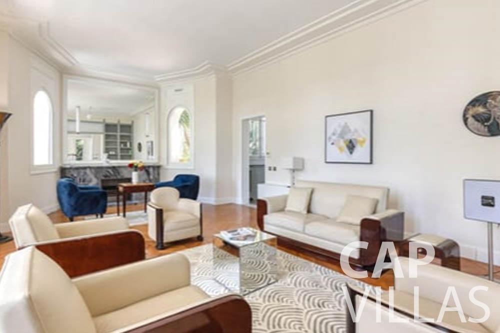 Villa Bianca for rent cap antibes bianca living area