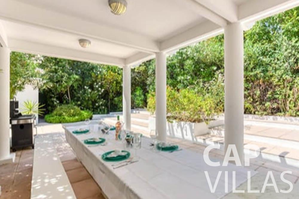 Villa Bianca for rent cap antibes bianca outdoor dining area