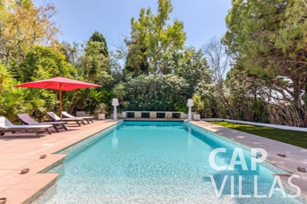 Villa Bianca for rent cap antibes bianca swimming pool