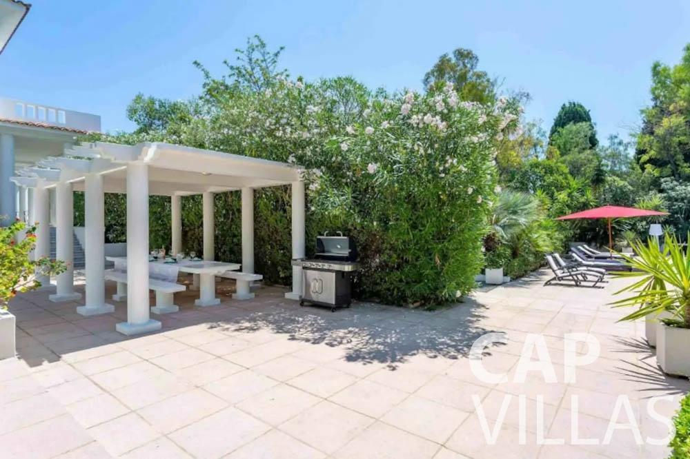 Villa Bianca for rent cap dantibes bianca pergola bbq