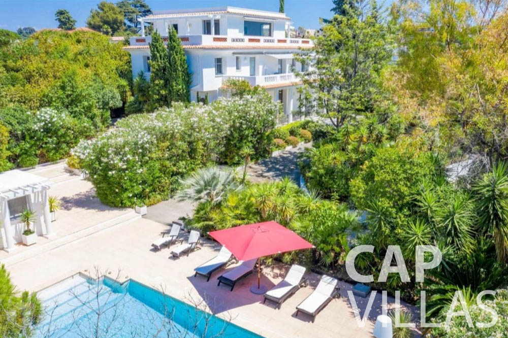 Villa Bianca for rent cap dantibes bianca pool view