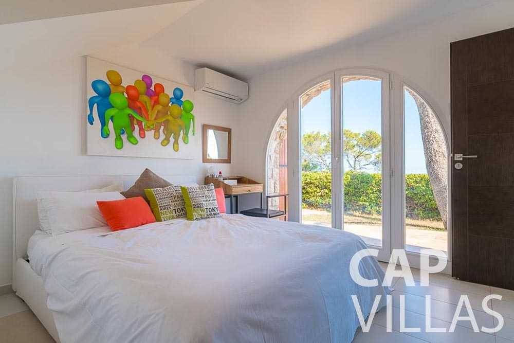 Holiday House for sale Villa Bonna roquebrune cap martin bonna bedroom