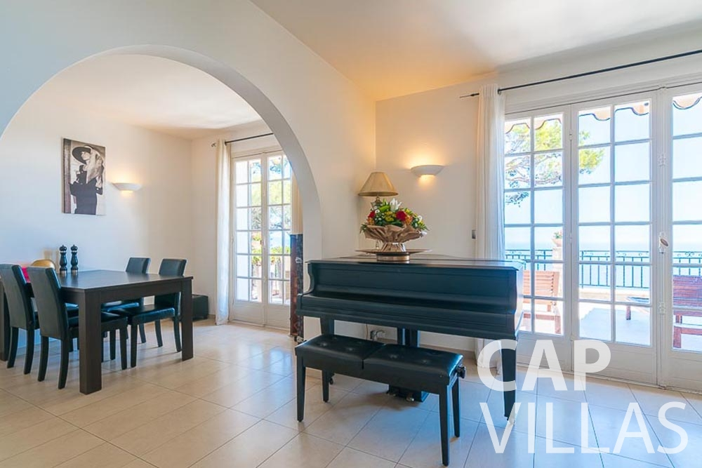 Holiday House for sale Villa Bonna roquebrune cap martin bonna living area