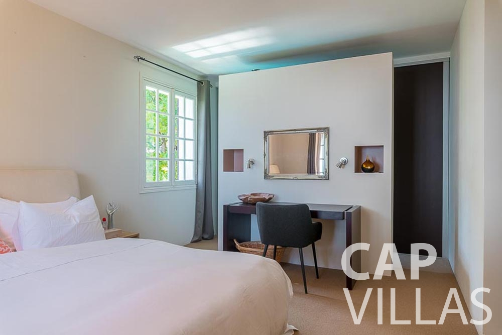 vaction rental roquebrune cap martin bonna bedroom