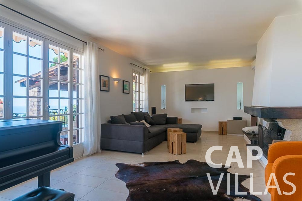 villa for rent roquebrune cap martin bonna living room
