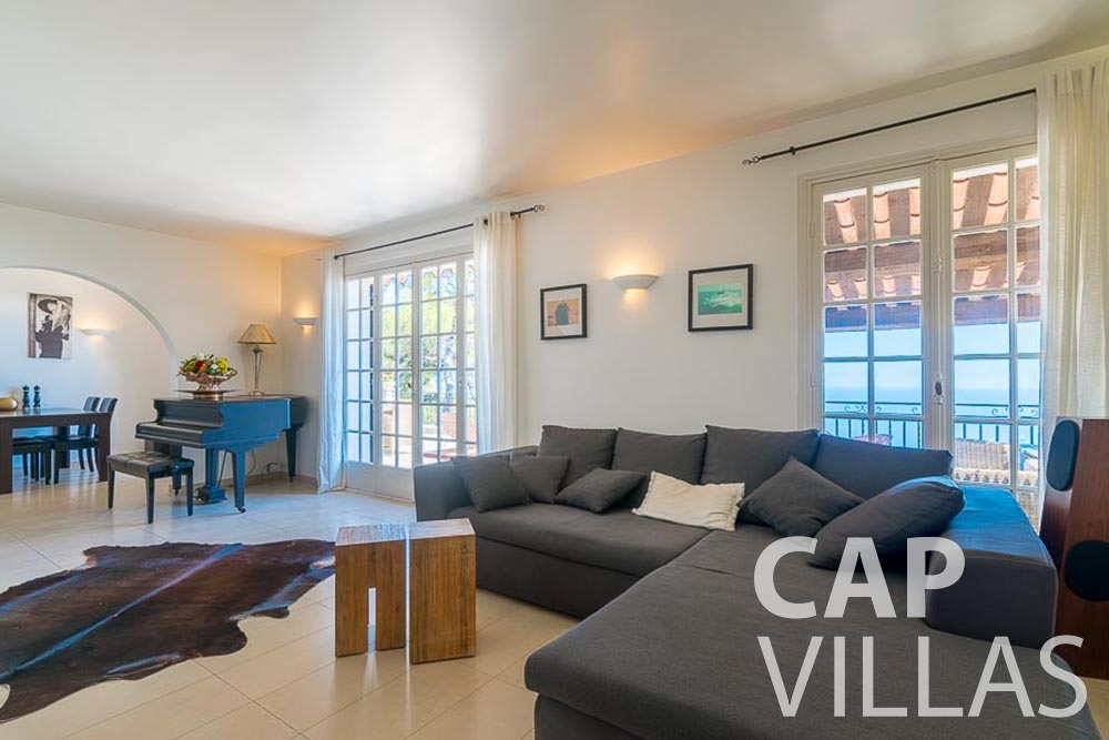 villa for rent roquebrune cap martin bonna salon