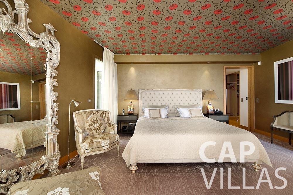 holiday rental cview saint jean cap ferrat bedroom