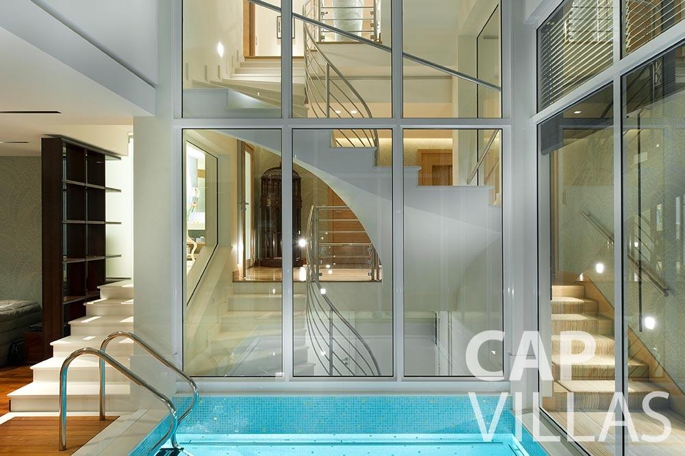 rent Villa Coco cview saint jean cap ferrat indoor swimming pool