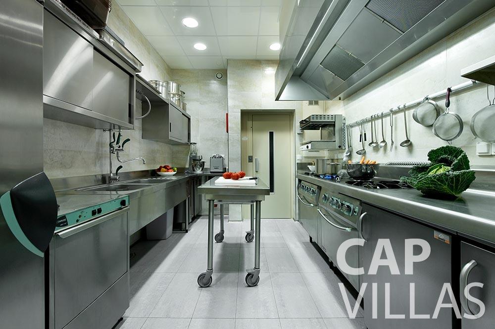 rent Villa Coco cview saint jean cap ferrat kitchen