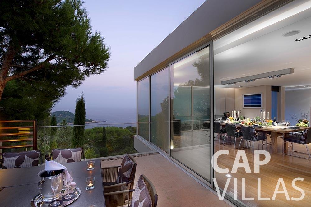 rent Villa Coco cview saint jean cap ferrat living area terrace
