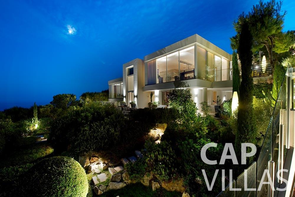 rent Villa Coco cview saint jean cap ferrat property night