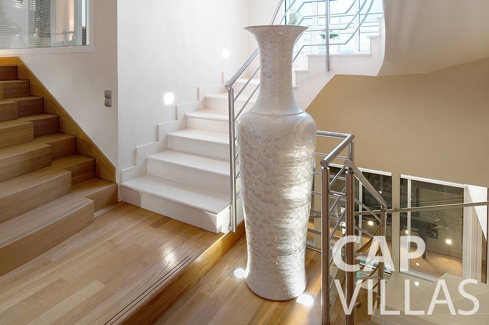 rent Villa Coco cview saint jean cap ferrat stairs