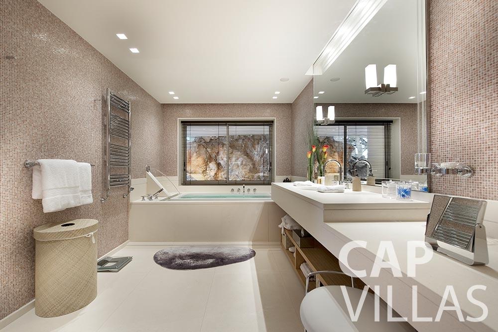 vacation Villa Coco cview saint jean cap ferrat batoom