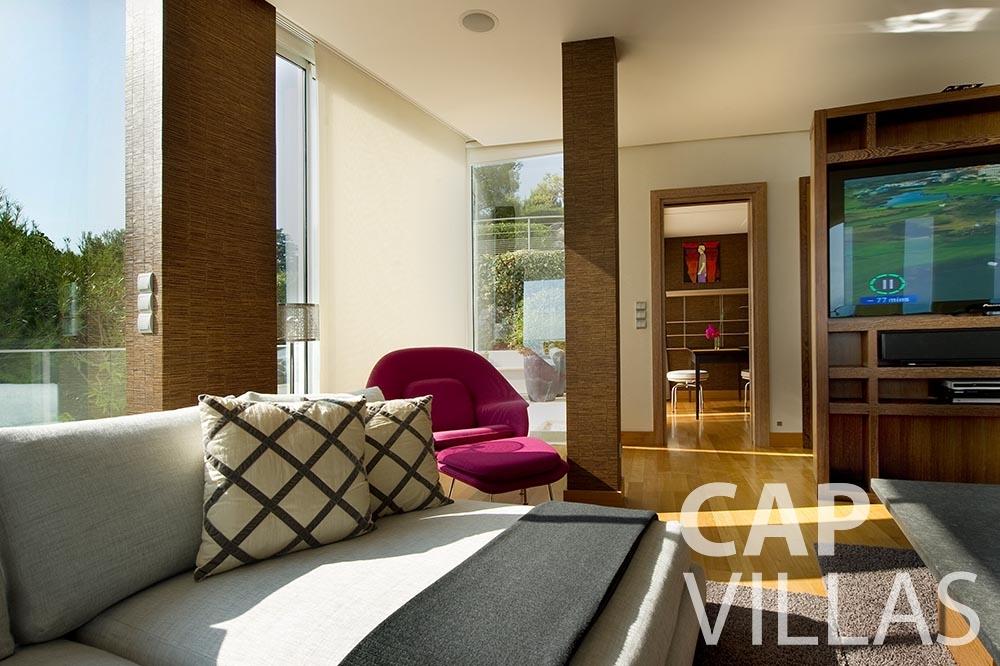 Villa Coco for let cview saint jean cap ferrat bedroom