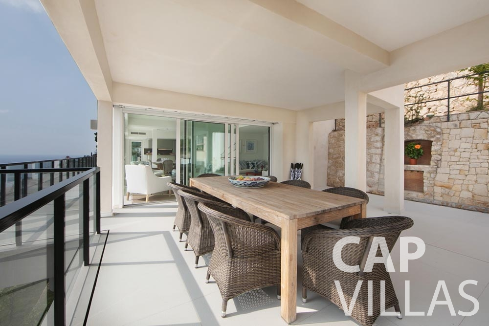 holiday Villa Emma roquebrune cap martin emma outdoor dining area