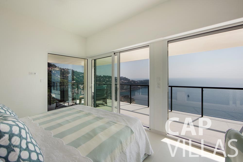 rent Villa Emma roquebrune cap martin emma bedroom sea view