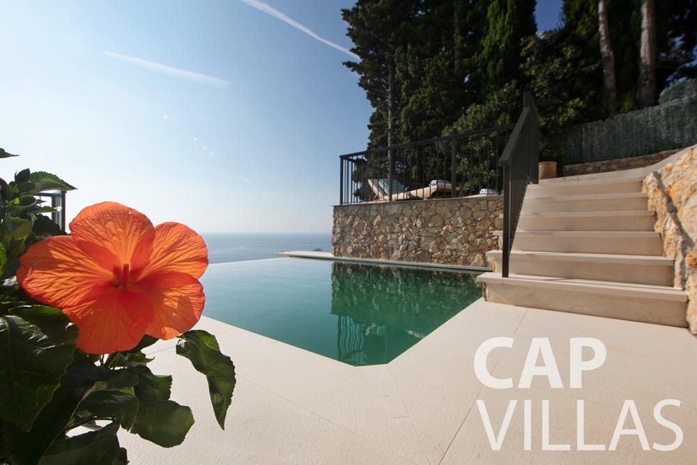 rent Villa Emma roquebrune cap martin emma swimming pool