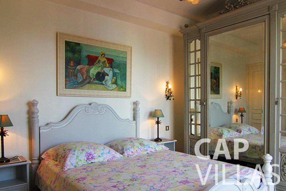 holiday rental cap d antibes fabrizia bedroom