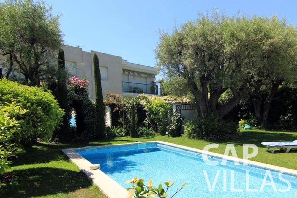 holiday rental cap d antibes fabrizia swimming pool