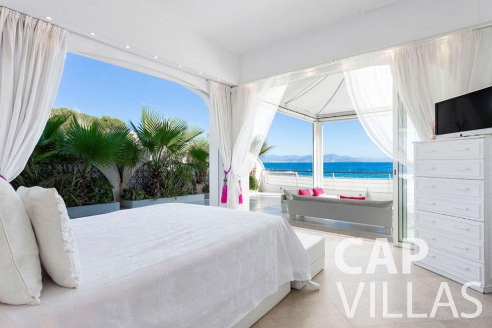 rent Villa Garoupe cap antibes garoupe bedroom sea view