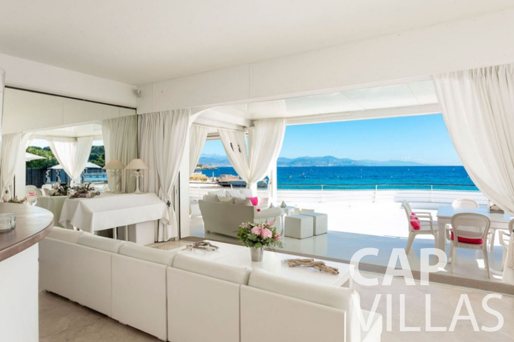 rent Villa Garoupe cap antibes garoupe living area sea view