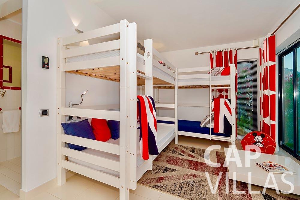 rent Villa Grazioli eze sur mer grazioli children bedroom