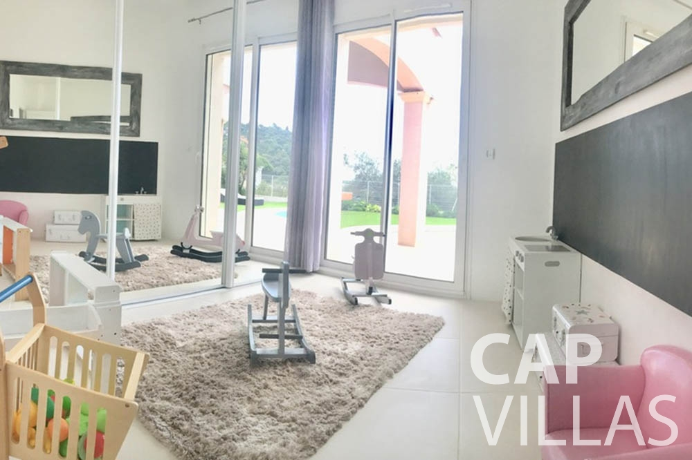 Villa Hortensia for rent roquebrune cap martin hortensia kids room