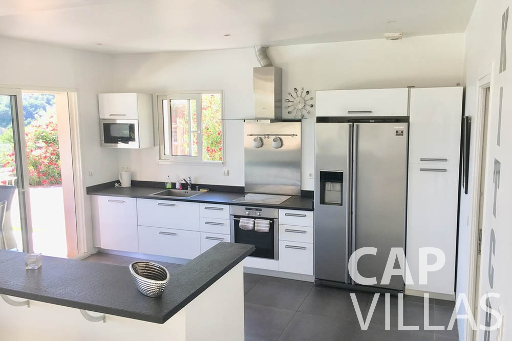 Villa Hortensia for rent roquebrune cap martin hortensia kitchen