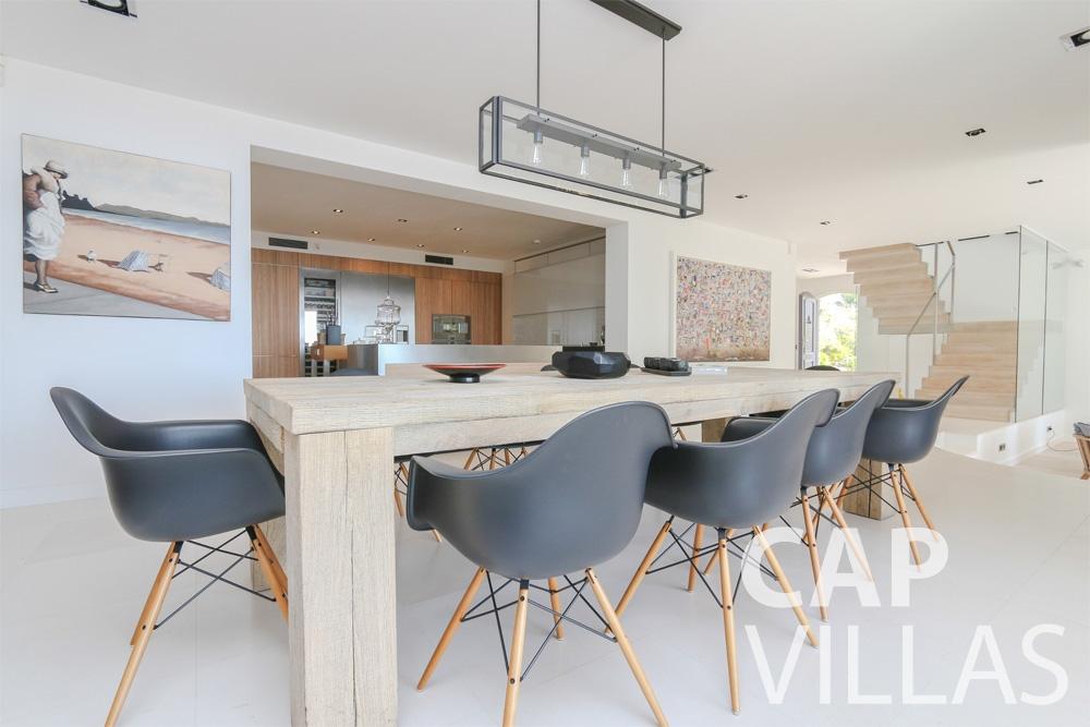 holiday rental Villa Hyacinth villefranche dining area