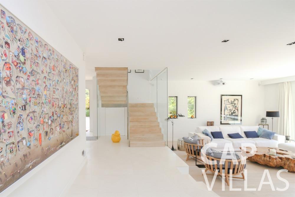 let Villa Hyacinth villefranche living room