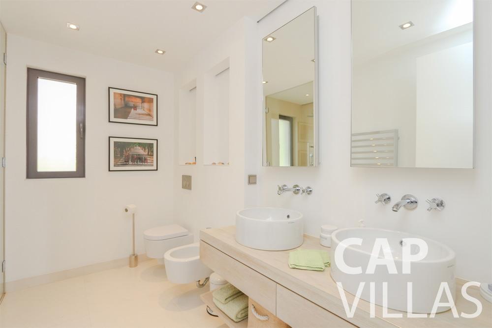 rent Villa Hyacinth villefranche batoom