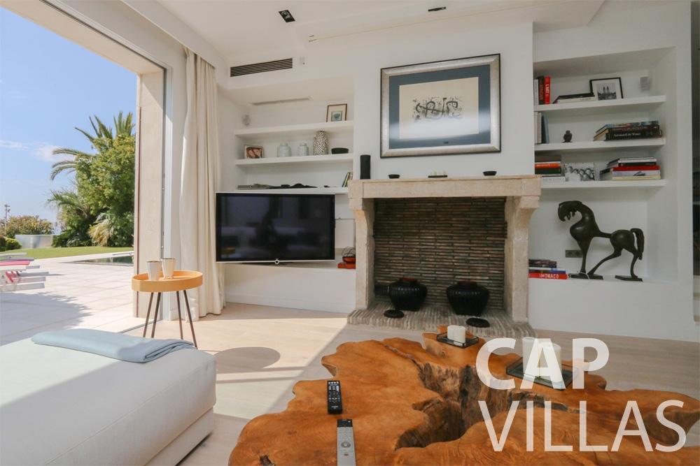rent Villa Hyacinth villefranche living area