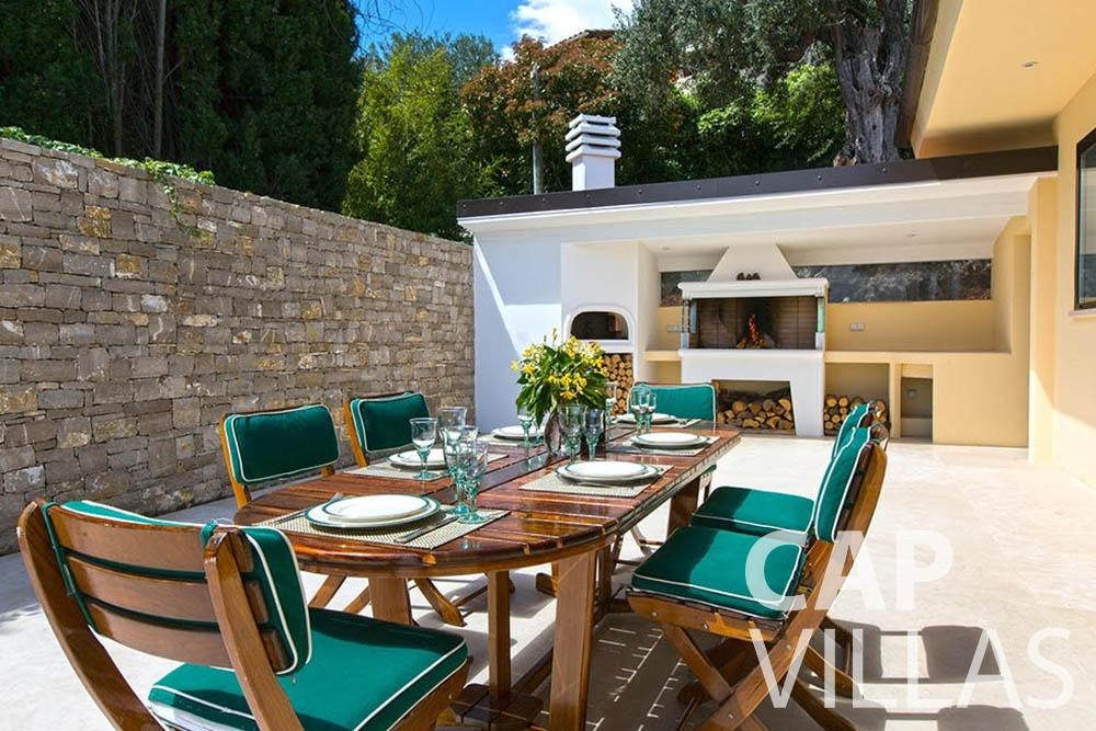 rent Villa Infinity infinity roquebrune cap martin outdoor dining area